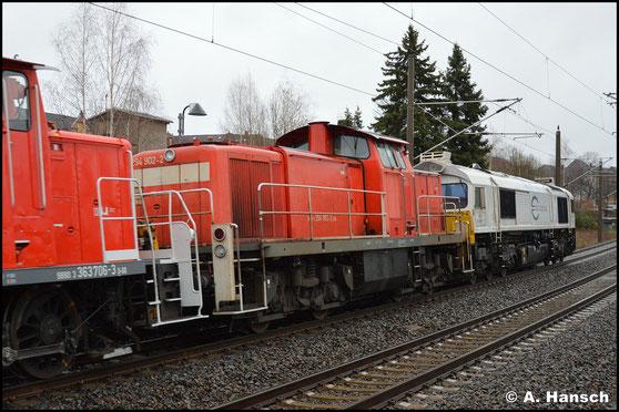 Scheinbar reaktiviert, treffe ich die Lok am 11. März 2020 am Hp Chemnitz-Hilbersdorf, wo sie in einem Lokzug aus Dresden nach Nürnberg transportiert wird
