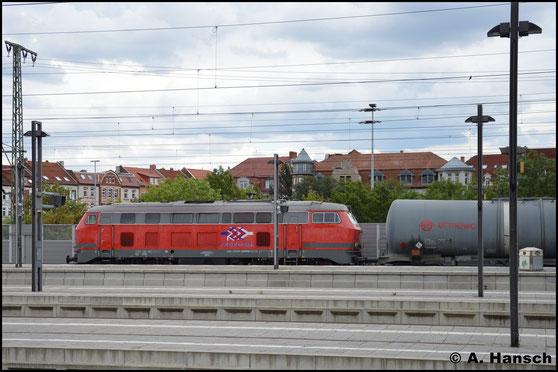 Am 1. August 2016 war zumindest ein Notschuss von 218 469-5 drin, als sie mit Kesselwagenzug durch Erfurt Hbf. fährt