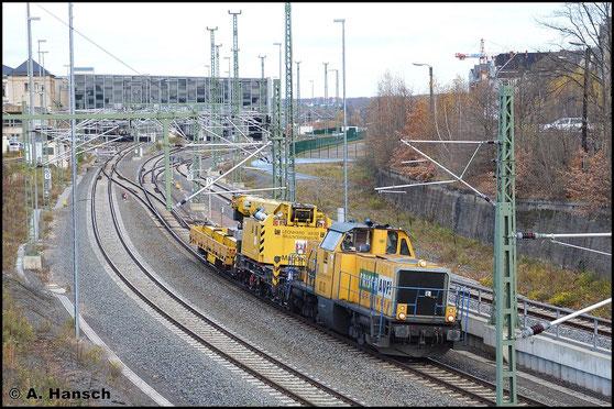 Am Folgetag holt die Maschine einen Kran in Thalheim ab und verlässt später mit diesem Chemnitz Hbf. als DGV 83773 nach Passau
