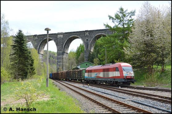 Nach 10 Jahren fuhr am 3. Mai 2017 wieder ein Güterzug ab Pockau-Lengefeld. Es ging mit 223 031-6 bespannt ein Holzzug zunächst bis zum Bf. Hetzdorf (Flöhatal), wo das Bild entstand