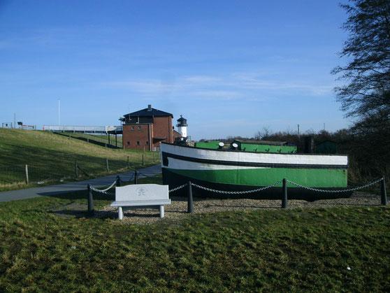 """Wrack Küstenmotorschiff """"Marie"""" am Landschaftspark"""