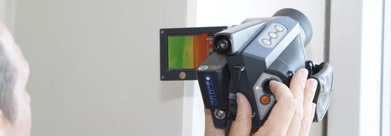Gebäudedichtheit undichte Stellen am Haus suchen Thermografie