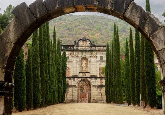 Скала Дей - самые красивые монастыри Каталонии