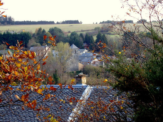 Lacombe , le village