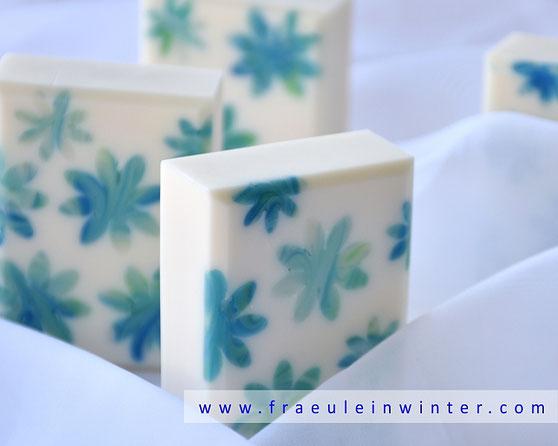 Seife mit Blumeneinlegern | Fräulein Winter