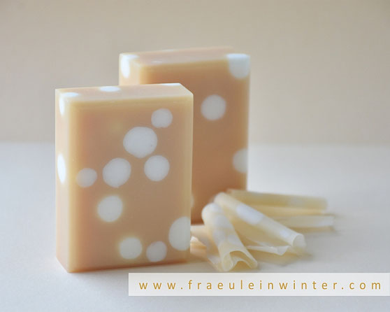 Handmade Soap with embeds by Fraeulein Winter