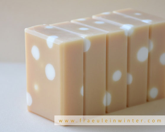 Soap with embeds - handmade by Fraeulein Winter