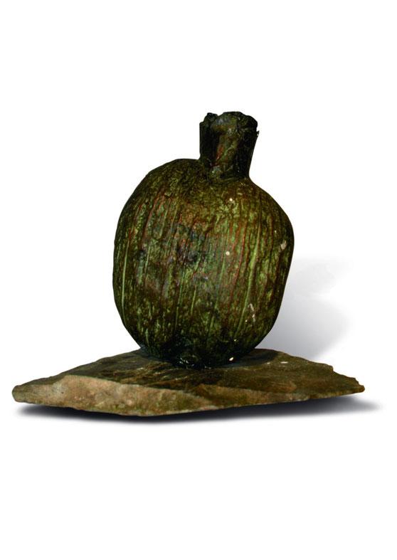 Coconut vase, bronze patina, slate, 15 x 10 x 10 cm