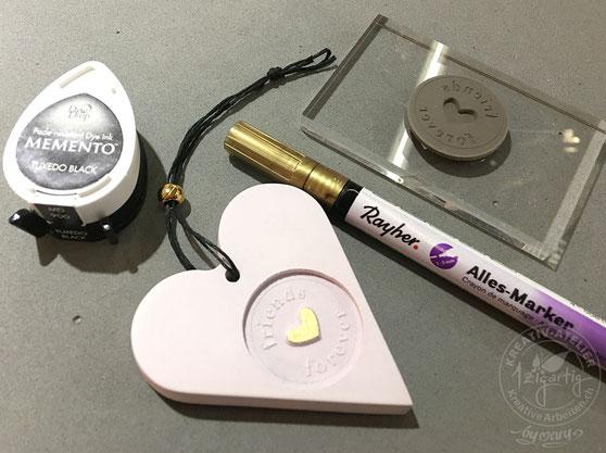 Rayer Hobby Gmbh hat mit dem Kreativprodukt Raysin 100, einem Giesspulver mit Samtoptik ein tolles Bastelprodukt lanciert