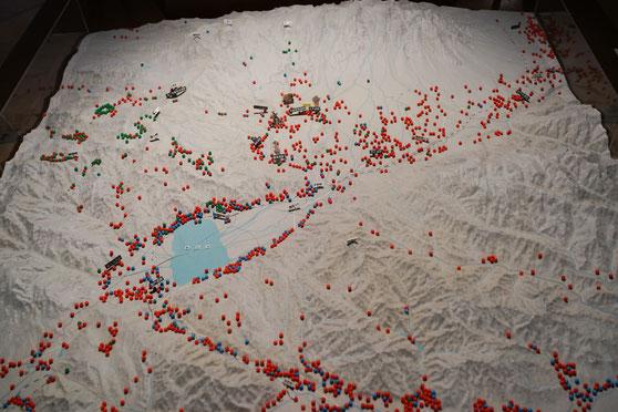 茅野市周辺の古代遺跡群(緑が旧石器時代・赤が縄文時代・青が弥生時代)