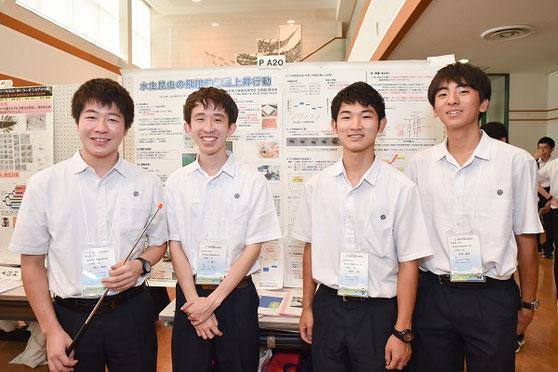 左から 森山海路くん(3年)、辻優人くん(3年)、稲田一葉くん(2年)、本田瀬名くん(2年)