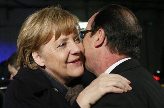 默姨跟法國人,也會行吻禮的...你知道他是誰嗎?(新聞網站截圖)