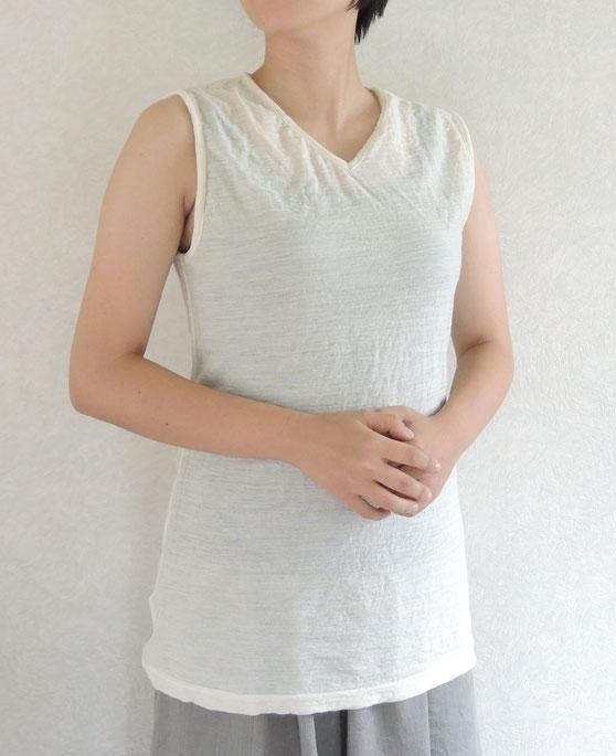 『羊品ハイネック』黄M モデル身長164㎝