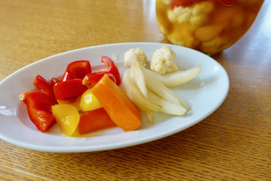 玉ねぎと彩り野菜のピクルス ピクルス 新玉ねぎ パプリカ にんじん カリフラワー