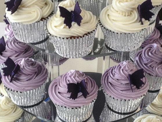 Nicola Knight Cakes - Anniversary Cakes