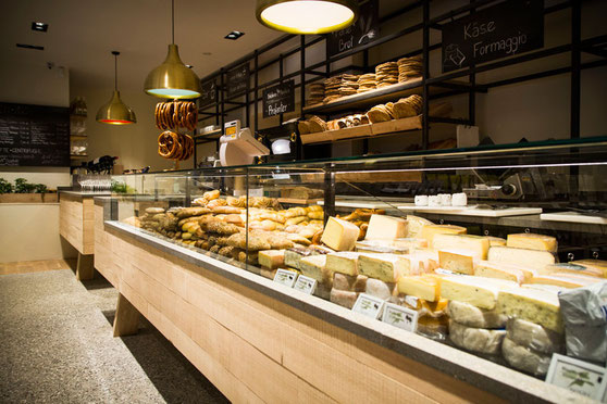 Pur-Südtirol-Bozen-Bolzano-Delikatessen-Genussmarkt--Mercato-dei-Sapori-Suedtirol-Gourmet-Gourmet-Suedtirol-Alto-Adige-Palato-Bar-Cafe-GourmetGuide-Suedtirol-Alto-Adige-Gourmet