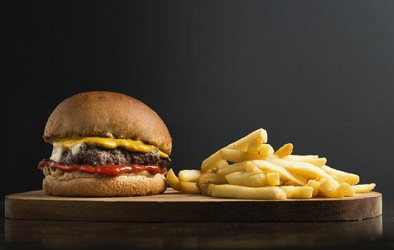 Fastfood und die damit verbundenen schlechten Fette und Transfette - Der Killer unseres Körpers