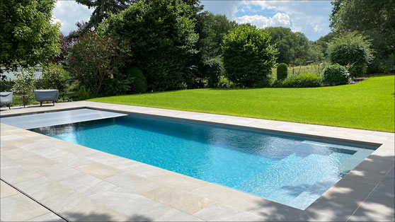 Riviera Pool - Linear 1045 - Poolbau mit dorada pool