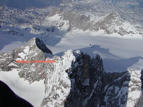 Das Dachstein-Massiv im Schrägluftbild; Q:wikipedia, eigene Bearbeitung