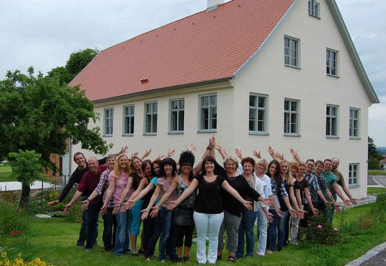 vor der Alten Schule Kimratshofen