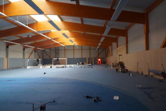Sporthalle Hockey Köln BlowerDoor Test Leckagensuche Anemometrie Thermografie Nebel