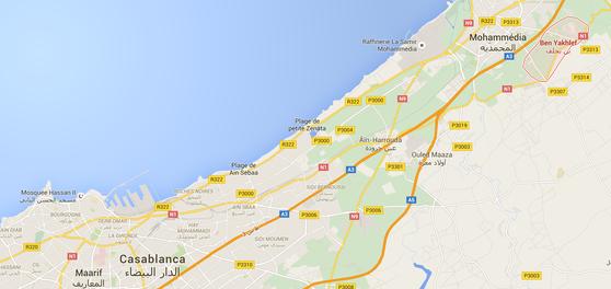 La localisation de Beni Yakhlef dans l'agglomération de Casablanca et de Mohammédia. Carte : Google Maps.