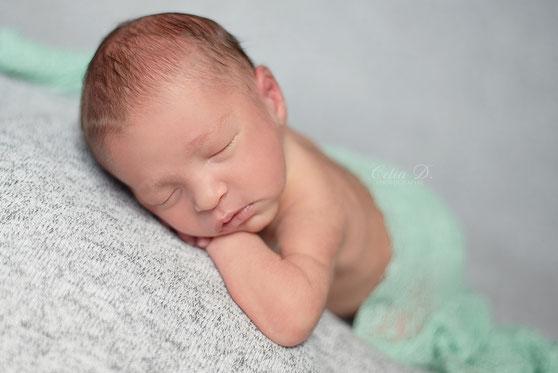 Celia D. Photographe bébé nouveau-né nourrisson Dijon Beaune Dole Auxonne