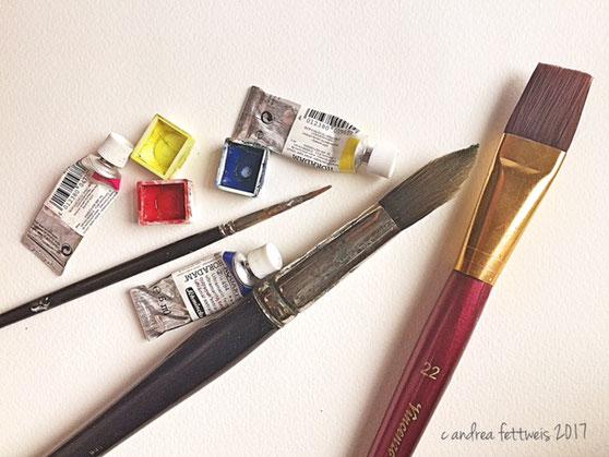 Die wichtigsten Materialien für Aquarellmalerei: Grundfarben, Pinsel und spezielles Papier
