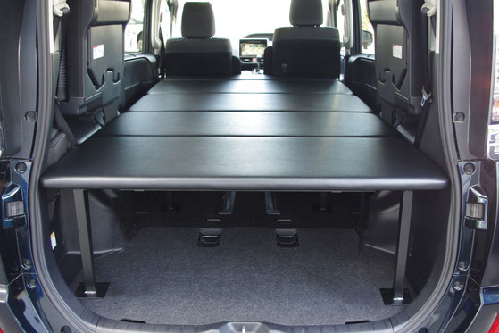 VOXYヴォクシー、NOAHノア、ESQUIREエスクァイア用の車中泊に便利なベッドキットは、ディーラーカスタムショップのネッツトヨタ静浜ASKへ。