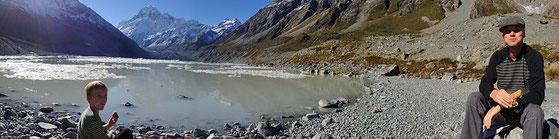 Am Gletschersee Hooker - Mount Cook