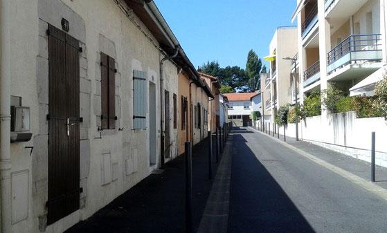 La rue Ramonbordes à Dax