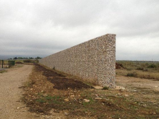Mur anti-bruit et auto-porteur en gabions