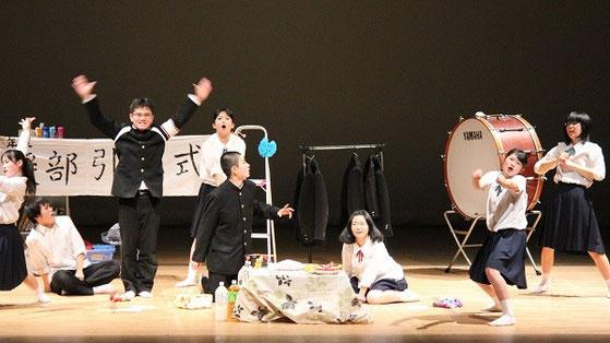 左から 「長谷部ちゃん」、「柿谷くん」、「大久保くん」、「長友先輩」、「川島団長」、「岡崎さん」、「香川さん」、「本田さん」