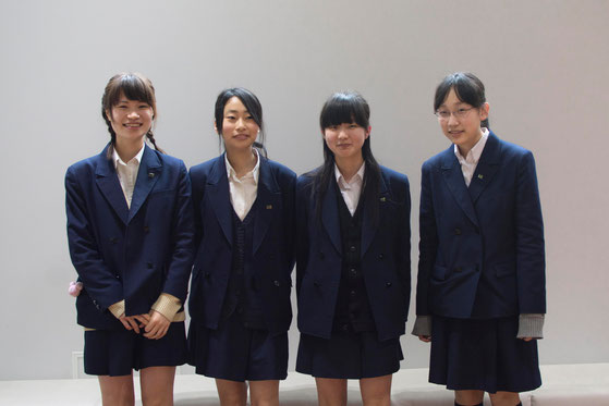 左から、伊藤朱音さん、白方満理奈さん、羽生美里さん、堀内結衣さん