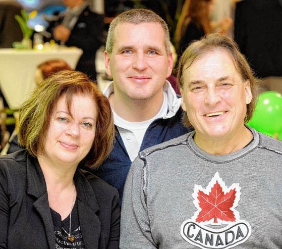 René Plaeschke (rechts) mit Ehefrau Dagmar sowie Uwe Richter