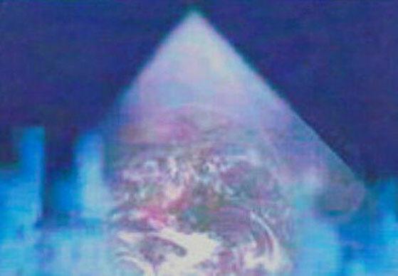 5次元でヒーリングを行うグループピラミッド