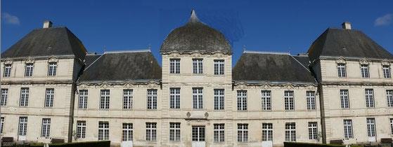 Le château de La Rallière si Samuel Gaudon avait pu réaliser ses rêves... (manque les campaniles ajourés au-dessus des pavillons extérieurs)