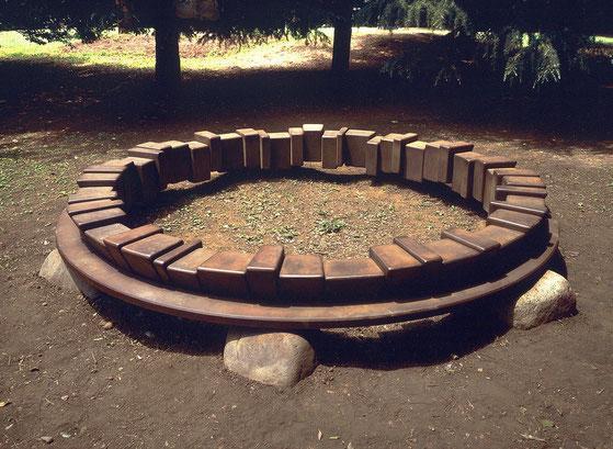 Circle - 大地  -  <Circle - No.18>  1995 / 耐候性鋼 、石 / H.50x350x350 (φ330) cm