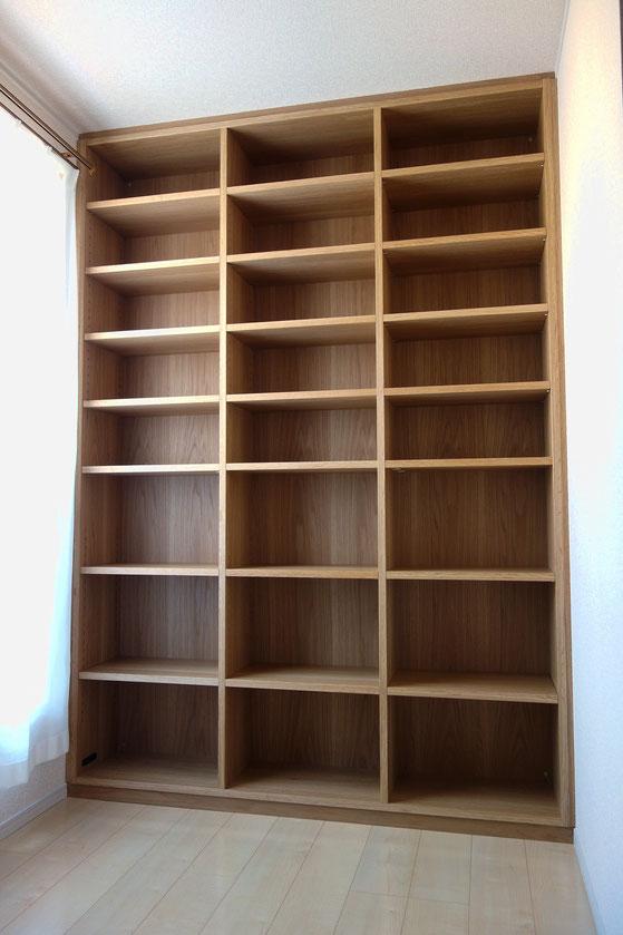 壁一面に造り付けた本棚(相模原市・S様邸)完成