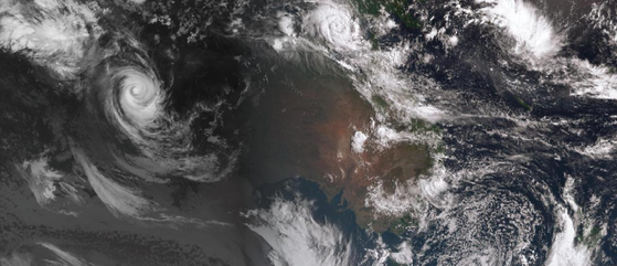 Tropical Cyclone Nora north of NT and STC Marcus off the north west coast, 23/03/2018. from BoM.