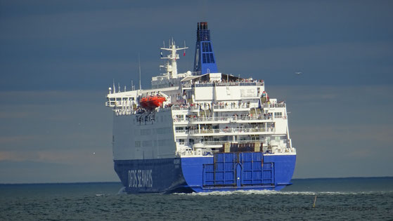 King Seaways leaving North Shields, bound to IJmuiden (Amsterdam).