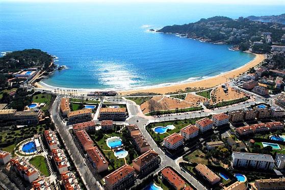 Покупка и продажа жилой недвижимости в Испании на берегу моря недорого
