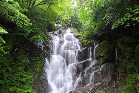 福岡県糸島市、白糸の滝