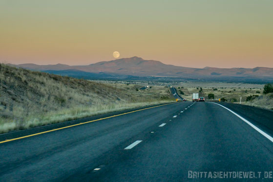 mond,arizona,berge,highway,40,grand,canyon,jucy,campervan,rentals,sehenswürdigkeiten,tipps,oktober,fotografie
