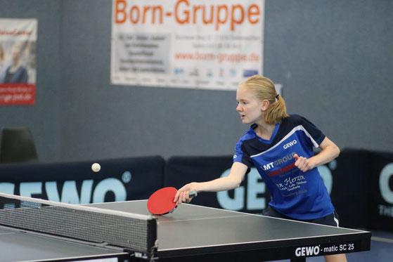 Die 16-jährige Chiara Steenbuck gefiel auf dem Weg zum tollen 19. Platz bei der Top-48-Bundesrangliste der Mädchen mit ihrem mutig und konzentriert vorgetragenen Offensivspiel.