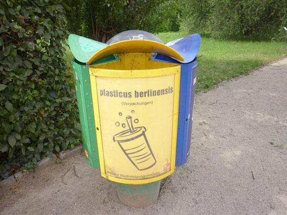 BSR-Wertstoff-Sammeltonne Verpackungen im Botanischen Garten, Berlin