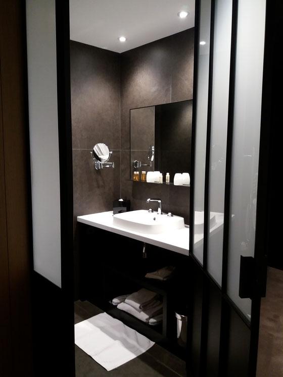 Hotel balthazar, Rennes, salle de bain, verrière d'atelier, chambre supérieure