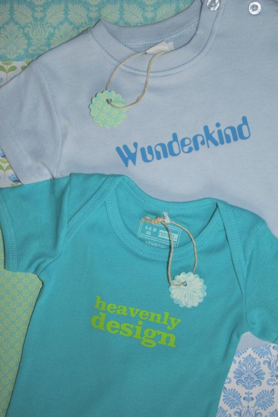 bedruckte T-Shirts und Baby-Bodys