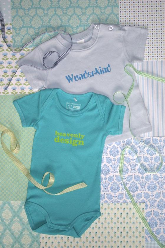 bedrucktes Baby-Body und T-Shirt