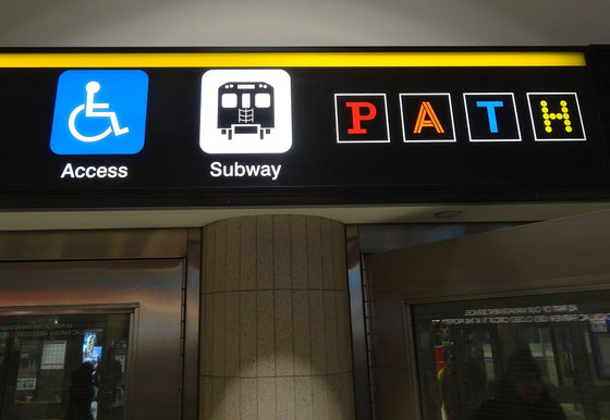 Zugang zu PATH über die U-Bahn von Toronto